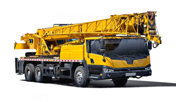 Bertrand Pneus distribue Pneus Truck Crane