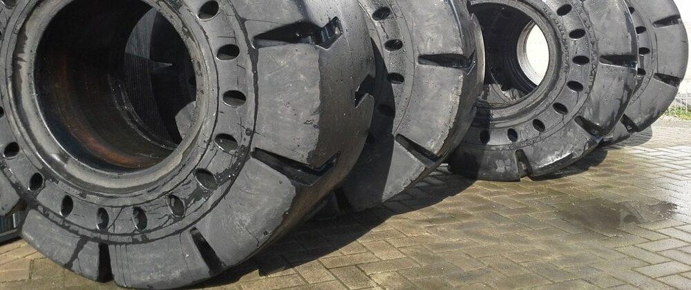 Bertrand Pneus distribue pneus Génie civil pneus alvéolé