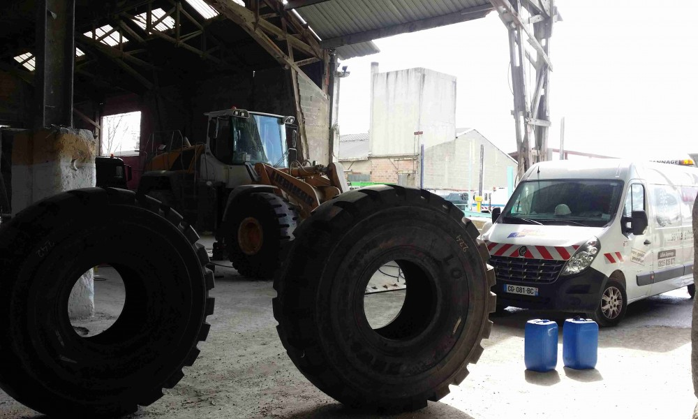 Bertrand pneus distribue Pneus terrassement