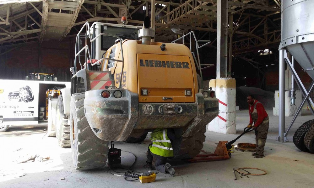 Bertrand pneus distribue Pneus travaux publics