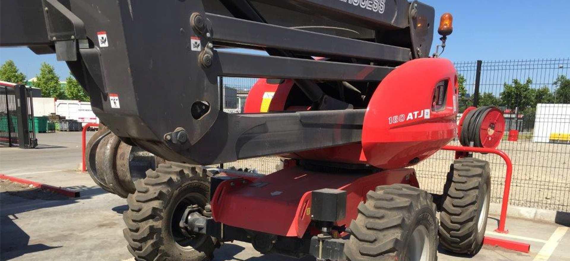 Bertrand pneus distribue pneus engins industriels